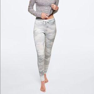 ✨VS PINK Cozy Leggings Size S